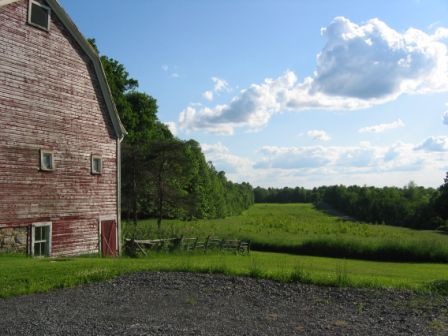 Barn and field to west on Moore's Hill